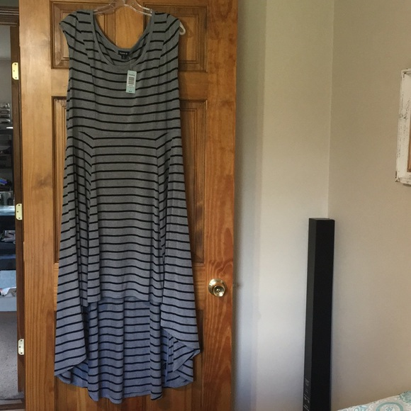 torrid Dresses & Skirts - NWT Torrid Gray & Black striped Hi Lo Dress size 2